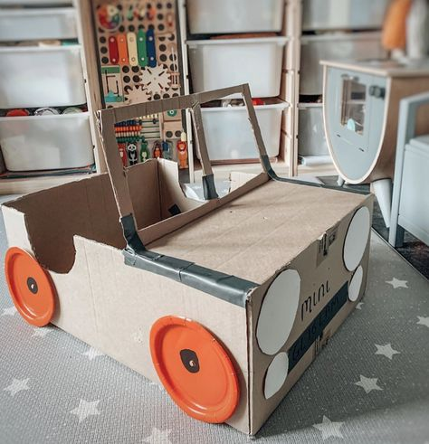 These cardboard box activities and crafts are ideal for all ages! After checking out these ideas you'll never throw out another cardboard box again! Cardboard Crafts Kids, Cardboard Car, Recycled Crafts Kids, Cardboard Castle, Cardboard Sculpture, Cardboard Box Ideas For Kids, Cardboard Houses For Kids, Cardboard Rocket, Toddler Fun