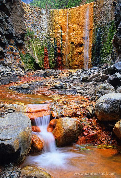 ✮ This is such an awesome photo!  Cascade of Colors, Isla de La Palma, Canary Islands, Spain