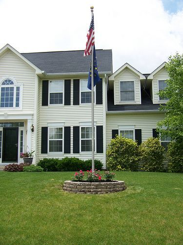Awesome Flagpole Landscaping Ideas 1000 Ideas About Flag Pole Landscaping On Pinterest Flag Poles Farmhouse Landscaping Front Yard Front Yard Landscaping