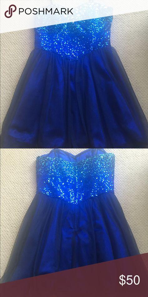Blue sequin top. Short tuelle skirt. Size 8. Bought from Nordstrom. Short dress tuelle skirt strapless Dresses Strapless