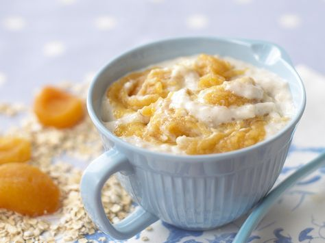 This makes a nutritious breakfast. Make up portions of the fruit puree and freezes. Then you can thaw them overnight, ready to mix with your baby porridge in the morning. As your baby gets older you can simply stir in rather than puree.
