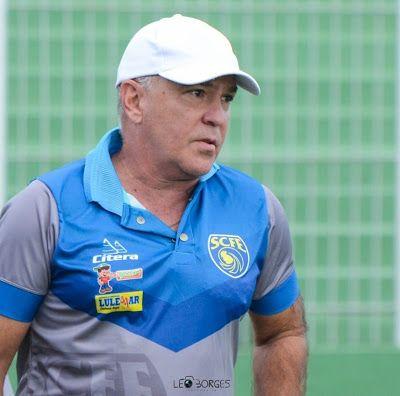Treinador Luis Antonio Zaluar Analisa A Evolucao Do Sampaio Correa Rj Treinador Esportes Campeonato Carioca