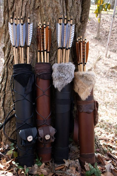 Archery Gloves, Archery Quiver, Archery Bows, Bow Quiver, Leather Quiver, Leather Tooling, Mounted Archery, Armas Ninja, Medieval Fashion
