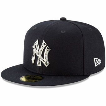 Men S New York Yankees New Era Navy Fractured Metal 59fifty Fitted Hat Fitted Hats Mens Fashion Wear Yankees Hat