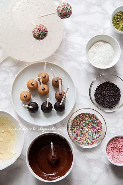 f869b5f82e6768224178e24a2f96c9f6 - Cake Pops Ricette