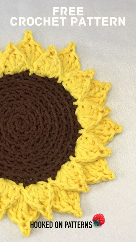 Free Crochet Coasters Pattern - A fun sunflower crochet design free crochet pattern by Ling Ryan - Visit Hooked On Patterns and start this summer crafts idea today crafts summer crochet Crochet Potholders, Crochet Motifs, Crochet Flower Patterns, Crochet Designs, Crochet Flowers, Crochet Stitches, Doilies Crochet, Ravelry Crochet, Crochet Fall