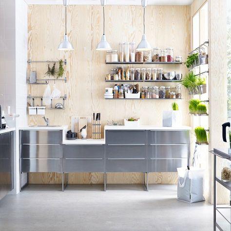 ikea cucine componibili di colore grigio lucido, mensole a ...
