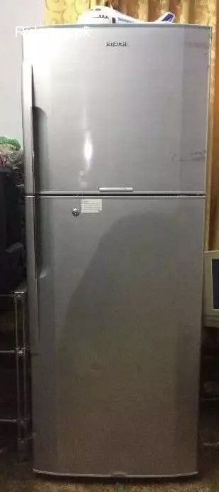 I Want To Sell Hitachi Refrigerator R Z440euk9k Fridge Its In Excellent And Original Condition Like Brand New Refrigerator Tempered Glass Shelves Hitachi