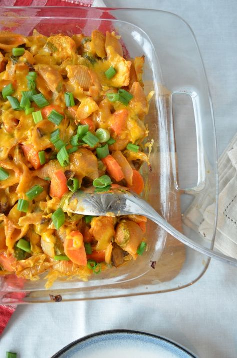 Buffalo Veggie Pasta Bake | vegetarian pasta bake with the flavors of hot wings