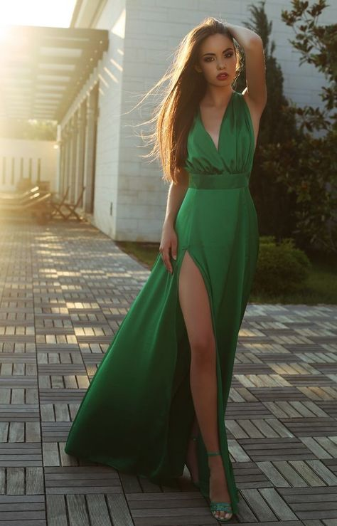 7b93e7ad Gorgeous green dress | fashion | Fashion, Beautiful dresses, Green dress