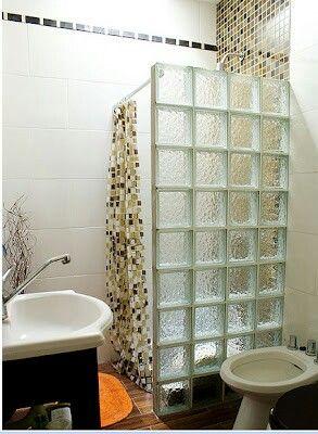 Pin De Flori Cohen En Baños Con Ladrillos De Vidrio Decorar Baños Pequeños Diseño De Baños Cuartos De Baños Pequeños
