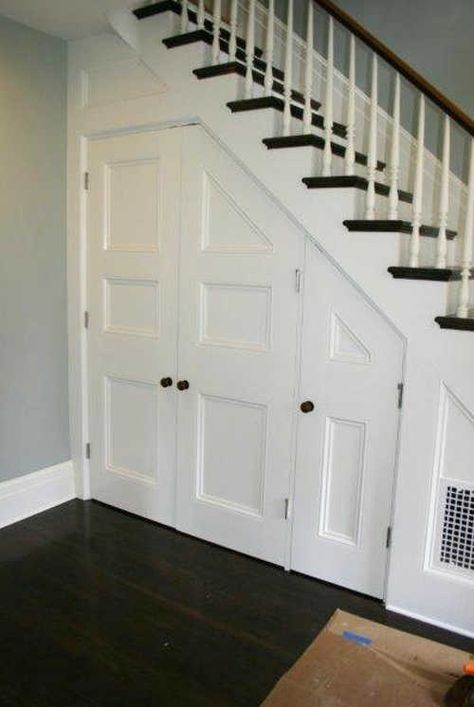 9 Brilliant Ideas For The Space Under The Stairs | DIY Home Sweet Home