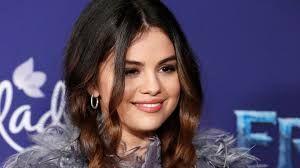 سيلينا غوميز ت هين الإسلام والديانة الهندوسية في آخر صور لها Selena Gomez Selena Hollywood Records