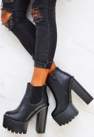 platform heel black boots
