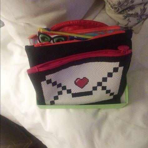 Bundle of 5 makeup bags 5 makeup bags never used Bags Mini Bags