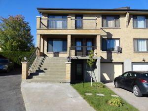 Logement A Louer Grand 6 1 2 Sur 2 Etages A Longueuil House Styles Mansions Condo