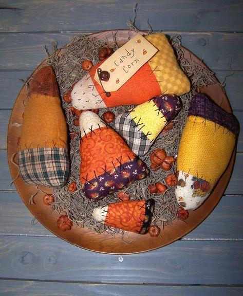 Primitive Wood Crafts, Primitive Fall, Primitive Stitchery, Primitive Patterns, Primitive Snowmen, Cowboy Christmas, Primitive Christmas, Christmas Trees, Father Christmas
