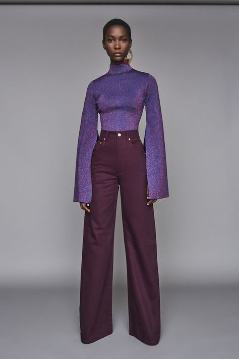 Solace London Nora Jean Aubergine from Fall Winter The classic five-pocket jean updated with flared legs and a super high waist. Fashion Week, Look Fashion, Runway Fashion, High Fashion, Autumn Fashion, Womens Fashion, Fashion Design, 70s Inspired Fashion, Disco Fashion