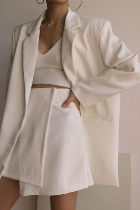 White Blazer Outfits For Spring - Outfitting Ideas All White Outfit, White Outfits, Classy Outfits, Casual Outfits, Cool Outfits, Beautiful Outfits, Look Fashion, Autumn Fashion, Fashion Outfits