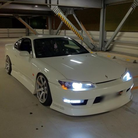 I want one so badd! In time thats for damnn sure ; Nissan Silvia, Nissan S15, Nissan 240sx, R34 Gtr, Street Racing Cars, Auto Racing, Lux Cars, Pretty Cars, Drifting Cars