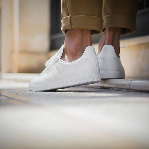 Linda L. Servais on | adidas shoes | Adidas superstar outfit