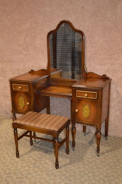 Antique Statton Jacobean Style Walnut
