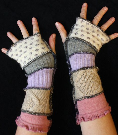 Arm Warmers made from upcycled sweaters Pretty Outfits, Cool Outfits, Fashion Outfits, Looks Style, My Style, Harry Styles, Fairy Clothes, Arm Warmers, Grunge