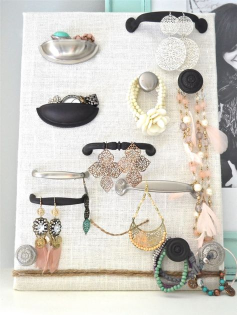 hardware-jewelry-display