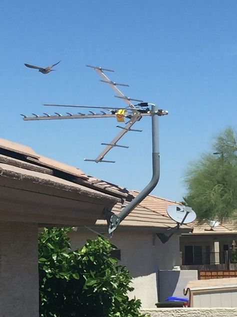 Outdoor HDTV antenna installation with a DVR+ in Chandler, AZ.  Record antenna TV for free and watch your favorite shows with no commercials. www.freehdtvaz.com
