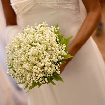 Bouquet Sposa Fiori Piccoli.Bouquet Sposa Bianco E Delicato Bouquet Colorato Per La Sposa