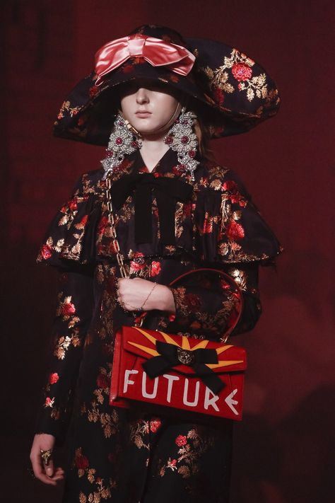 Fashion editor and Nordstrom collaborator Caroline Issa gives us the lowdown on Gucci's spring 2017 collection and show–now with runway images!