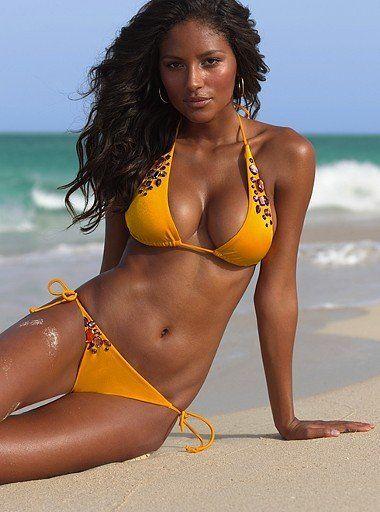 Brazilians love the beach in 2020   Beautiful brazilian women, Brazilian  women, Brazilian girls
