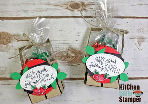 Kitchen Table Stamper » Blog Archive » Stampin' Up! Sunny Days Berry Basket Tutorial Great for Craft Fairs with US Chicago are Stampin' Up! Demonstrator Marisa Alvarez at Kitchen Table Stamper