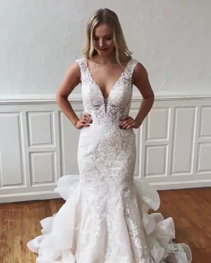 V-Neck Mermaid Open Back Wedding Dress with Lace Appliques