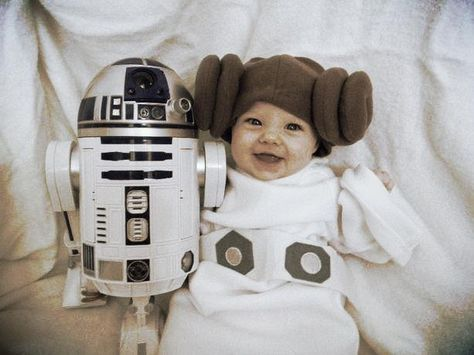 Kids Halloween Costumes: Baby Princess Leia and R2D2