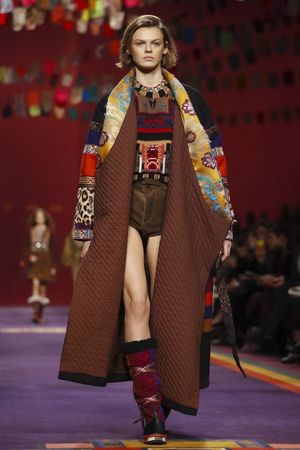 Etro had a mountain traveller spirit, such as collars upon a patchwork canvas or quilted print and pattern. This collection saw the heritage house really play up its signature paisley and take it o...