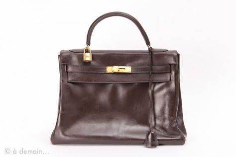1c617d6f17 Sac Kelly Hermès 32 cm marron des années 1960 | our 1960s items...