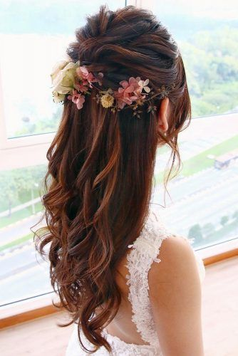 Wedding Hairstyles Half Up Half Down With Veil With Flowers Bridal Hair Long Hair Short Hair L Hair Styles Down Hairstyles Wedding Hairstyles For Long Hair