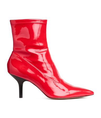 Ankle boots in faux patent leather