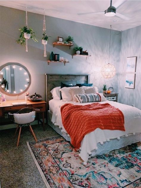 Room Decor, Bedroom Decor, Dorm Room Bedding, Minimalist Bedroom Design, Girls Dorm Room Bedding, Room Makeover, Dorm Room Decor, Room Inspiration Bedroom, Cozy Room Decor