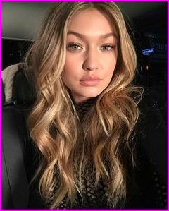Victoria S Secret Models Signature Hairstyle Kendall Jenner Finally Gets Her Wings Gigi And Bella Hadid Making Thei Gigi Hadid Hair Victoria Secret Hair Hair