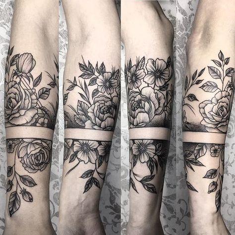 "151 To se mi líbí, 1 komentářů – Dimitrij Chuperka (@dima_tattoo_ink) na Instagramu: ""Tohle mě moc bavilo #blackworktattoo #blxckink #dotwork #dotworktattoo #tattoo #flowertattoo…"""