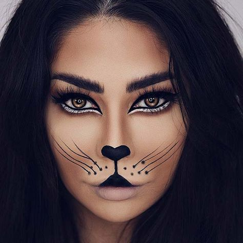 Are you looking for inspiration for your Halloween make-up? Browse around this site for cute Halloween makeup looks. Cat Face Makeup, Lion Makeup, Animal Makeup, Black Cat Makeup, Halloween Makeup Clown, Scary Halloween, Halloween Make Up Cat, Leopard Halloween Makeup, Simple Halloween Makeup