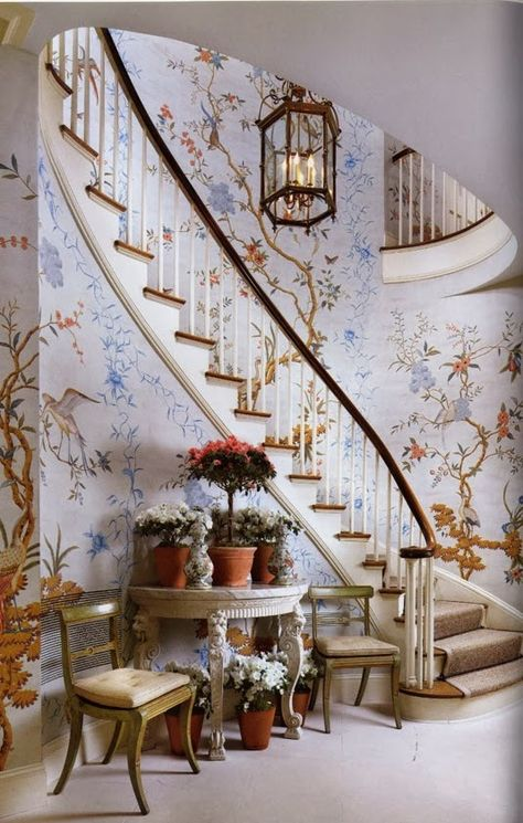 A staircase with chinoiserie. A brilliant idea for home decor and interior design. Chinoiserie Wallpaper, Chinoiserie Chic, Beautiful Interiors, Beautiful Homes, Beautiful Stairs, House Beautiful, Gracie Wallpaper, Stairway To Heaven, Interior Exterior