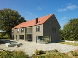Fassadengestaltung einfamilienhaus schwarzes dach  Bildergebnis für satteldach anbau | Archi-Häuser | Pinterest ...