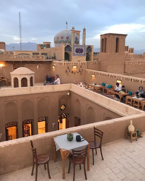 Rooftops are the best 🕌 Yazd , Iran