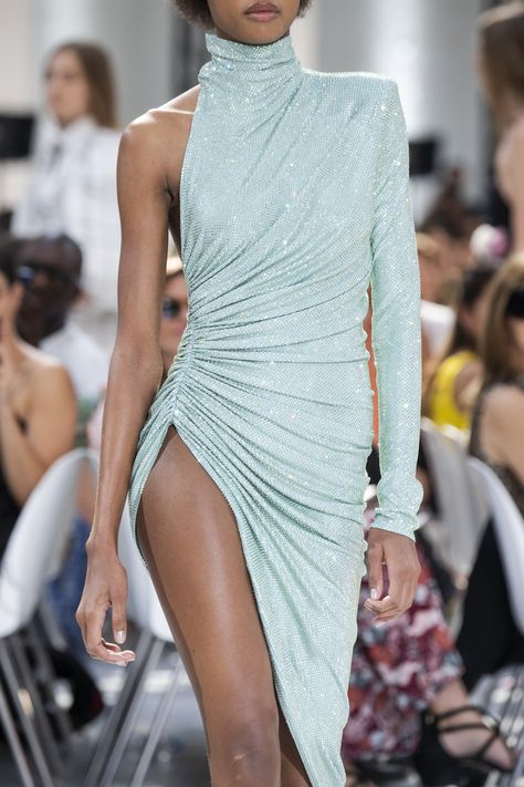 Alexandre Vauthier Couture Fall 2019 Fashion Show Details Alexandre Vauthier, Couture Fashion, Runway Fashion, Fashion Models, Fashion Outfits, Fashion Show Dresses, Fashion Edgy, Vogue Fashion, Daily Fashion