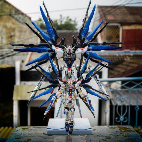 Gundam Rg Strike Freedom Mg Srrike Freedom Custom Gundam Gundam Wallpapers Gundam Custom Build