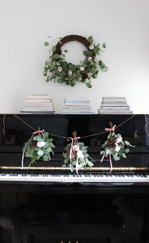 DIY Holiday Bouquet Garland With Flower Factory | Poppytalk