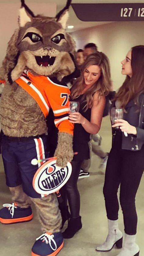 Lauren Eberle Reunited With Hunter Edmonton Oilers Oilers Hockey Edmonton Oilers Hockey